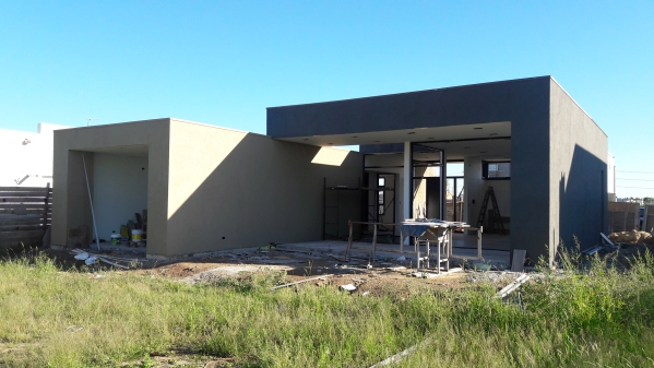 Casasteel dise o y construccion steel frame for Casa minimalista uy